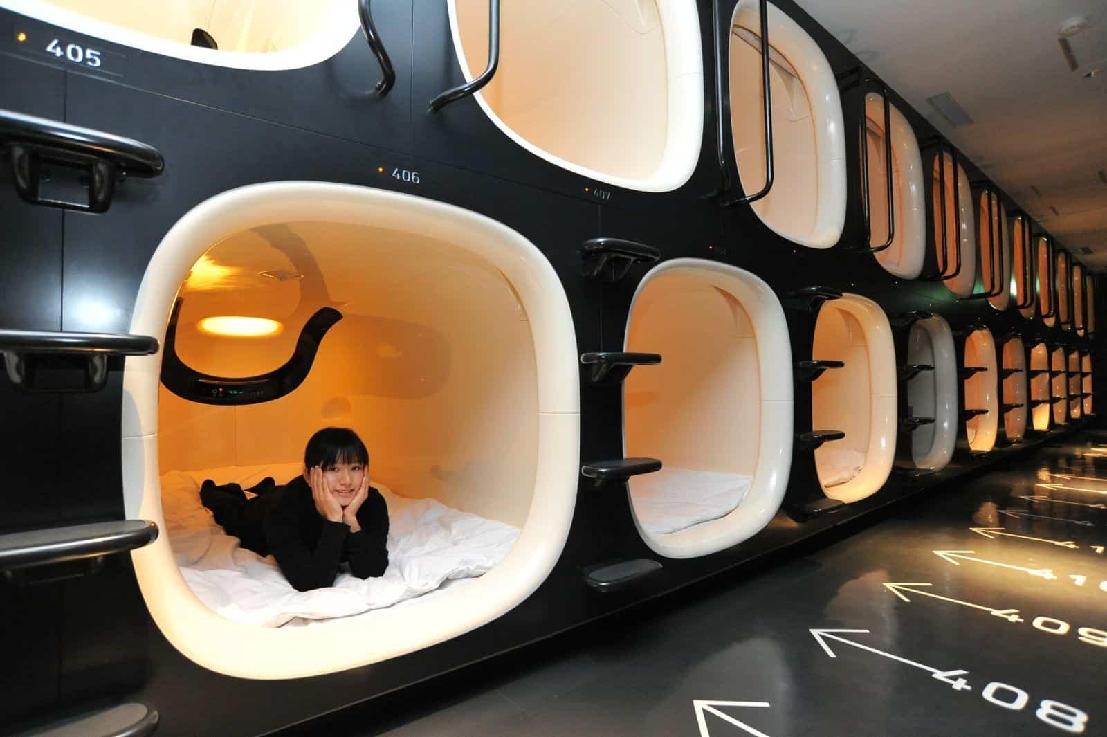 japanese capsule hotels